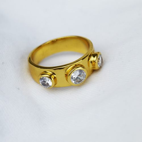 Chunky Gold Ring 3 Crystals